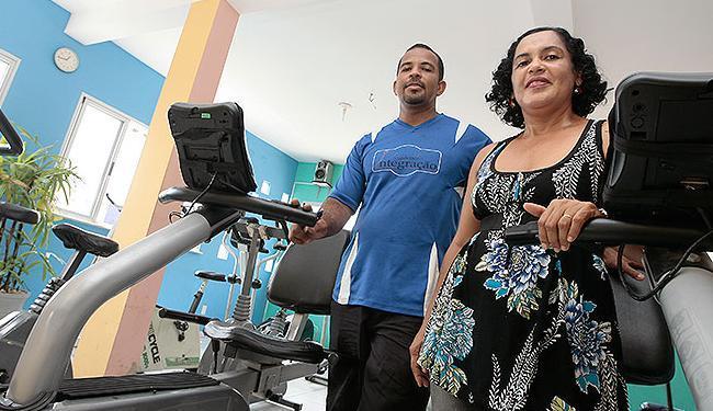 Adilton e Rosângela tomaram empréstimo para investir na ampliação da academia do casal - Foto: Mila Cordeiro | Ag. A TARDE