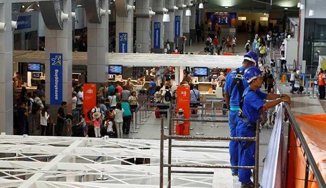 O aeroporto de Salvador também está entre os aeroportos com obras atrasadas - Foto: Eduardo Martins   Ag. A TARDE