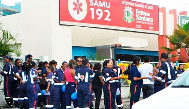 Profissionais realizaram manifestação na manhã desta quarta - Foto: Ed Santos/Acorda Cidade