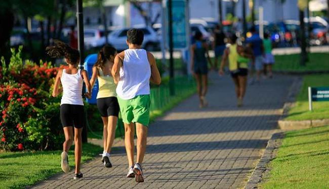 Especialistas recomendam pelo menos 30 minutos de atividade física por dia - Foto: Joa Souza | Ag. A TARDE