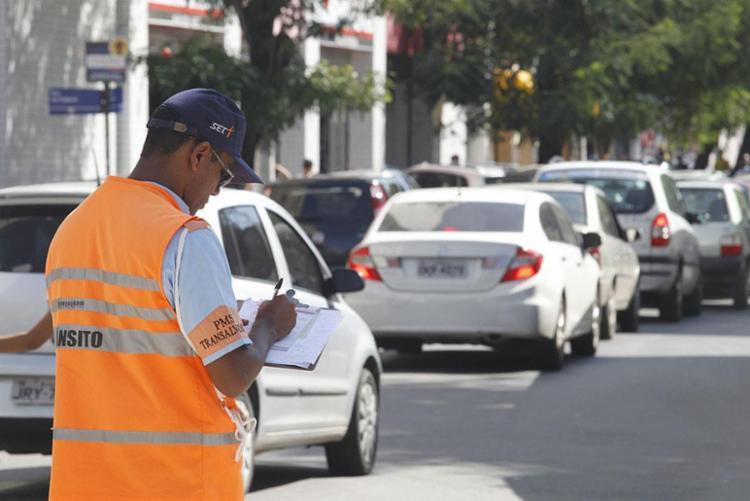 Reajuste no valor das multas variam de 52% a 244% - Foto: Lúcio Távora | Ag. A TARDE