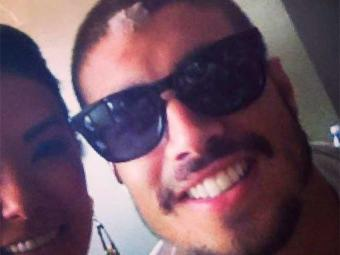 Caio aparece com curativo na testa em foto com fã - Foto: Reprodução   Instagram