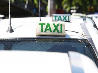Ao todo, 72 táxis foram apreendidos - Foto: Arestides Baptista | Ag A TARDE