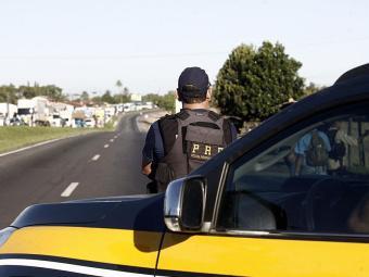 Também foram flagrados e autuados 5.649 veículos, dos 11.618 fiscalizados - Foto: Luiz Tito | Ag. A TARDE