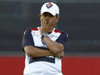 Treinador do Vitória diz que seu maior problema é o meio de campo - Foto: Eduardo Martins | Ag. A Tarde