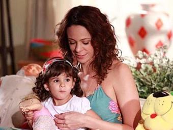 Juliana não aceita ter perdido Bia e vai tentar sequestrar outra criança na praia - Foto: TV Globo   Divulgação