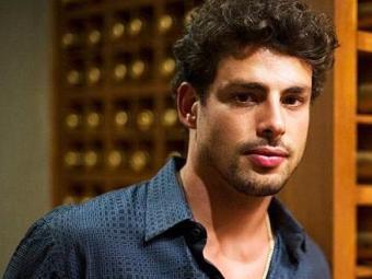 Cauã vai processar um perfil fake no Facebook que vem se passando por ele - Foto: TV Globo | Divulgação