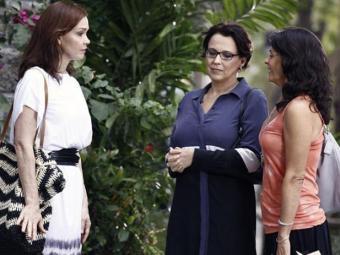 Verônica joga na cara de Helena que Laerte resolveu ficar definitivamente no Rio - Foto: Reprodução | TV Globo