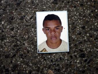 Jevanilson Rios Santos, 20 anos, chegou em estado grave ao hospital - Foto: Luiz Tito/Ag. A Tarde