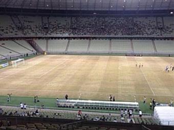 Gramado da Arena Castelão ficou castigado após show de Elton John - Foto: Freruccio Feitosa l Divulgação