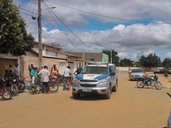 Três suspeitos foram presos durante o assalto - Foto: Divulgação/Blog do Anderson