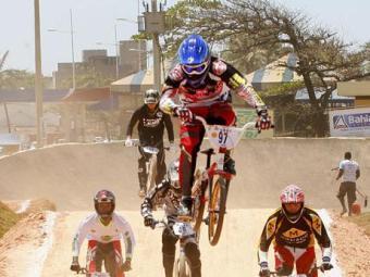 A competição promete ter muitas disputas na Praia do Corsário - Foto: Luciano da Matta   Ag. A TARDE
