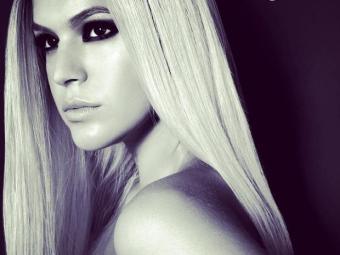Bruna Marquezine participou de um ensaio com peruca loira - Foto: Reprodução | Instagram