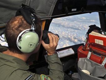 Equipes australianas estão à frente das buscas - Foto: Agência Reuters
