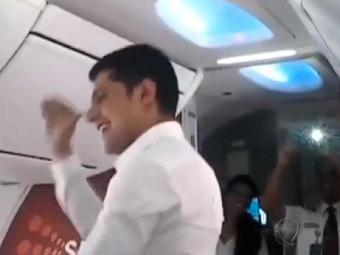 Dança foi iniciativa da companhia aérea em homenagem à feriado indiano - Foto: Reprodução | Youtube