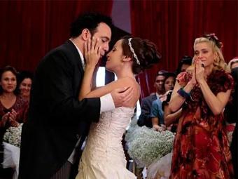 Os convidados se emocionam com a união do casal - Foto: TV Globo | Divulgação