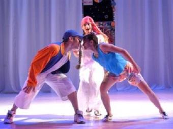 O espetáculo reúne dança, teatro e música, com o objetivo de atrair o interesse do público jovem - Foto: Divulgação