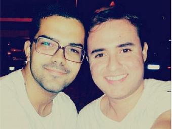 Marvin (à direita) usou a cantora para pedir Raphael em namoro - Foto: Reprodução   Instagram