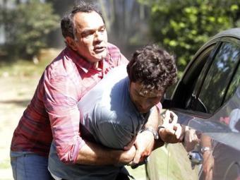 Virgílio reencontra Laerte e os dois brigam - Foto: Divulgação | TV Globo