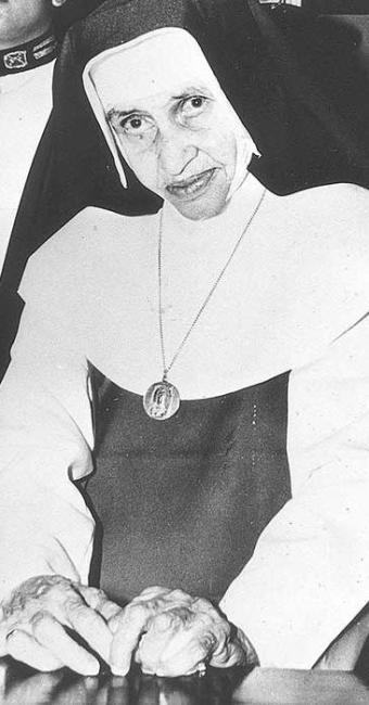 Irmã Dulce morreu em 1992, aos 77 anos - Foto: Arquivo   Ag. A TARDE