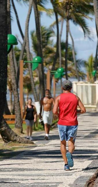 Calçadão será ampliado e barracas da região estarão com os dias contados, segundo a prefeitura - Foto: Marco Aurélio Martins | Ag. A TARDE