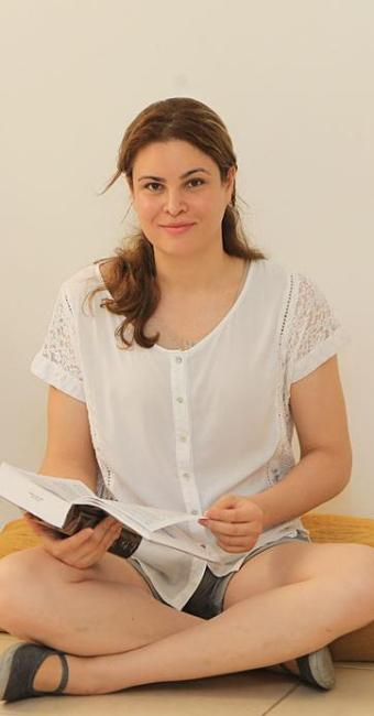 Ela entrou na justiça para trocar o nome de registro civil para Laura de Castro Teixeira - Foto: Wildes Barbosa   O Popular