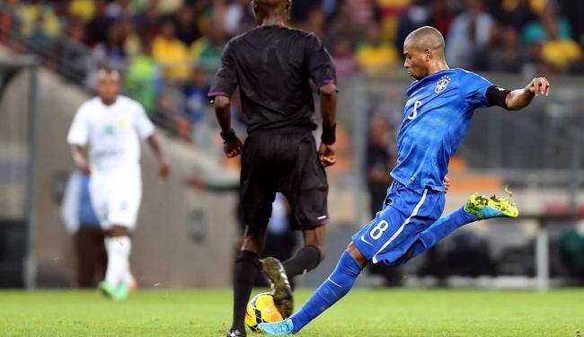 O volante Fernandinho marcou um lindo gol, o quarto no triunfo do Brasil - Foto: Jefferson Bernardes | VIPCOMM
