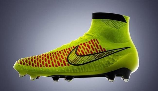 'Magista', da Nike, cobre até o tornozelo - Foto: Reprodução l Nike