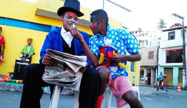 Espetáculo circense reúne diversos números, como apresentação de palhaços - Foto: Divulgação
