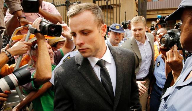 Pistorius é acusado pela morte da namorada, a modelo Reeva Steenkamp - Foto: Agência Reuters