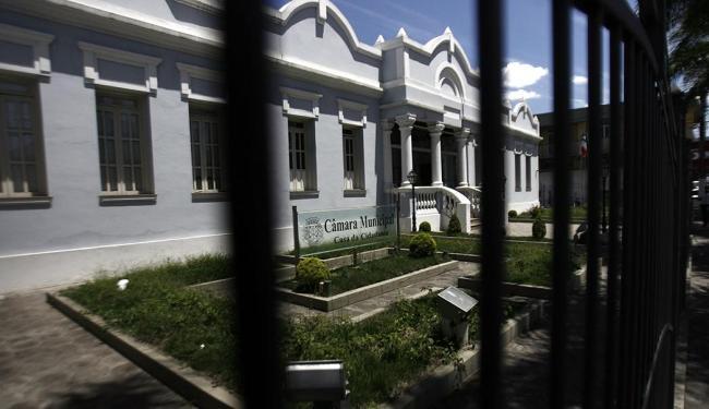 Câmara Municipal de Feira de Santana teve concurso suspenso - Foto: Luiz Tito | Ag. A TARDE