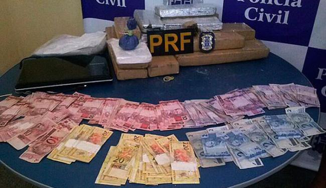 Além de drogas polícia aprendeu R$ 2.090,00 - Foto: Ascom | PRF