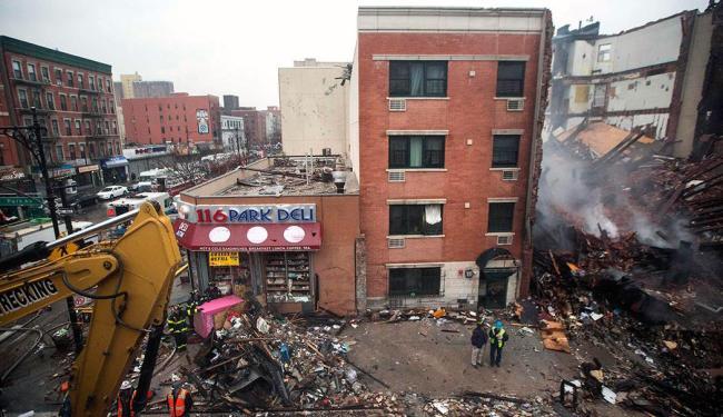 Prédio de cinco andares desabou após uma explosão de gás - Foto: Agência Reuters