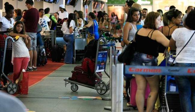 Maior oferta deve reduzir os preços, com previsão de passagens abaixo de R$ 300 - Foto: Joá Souza | Ag. A TARDE