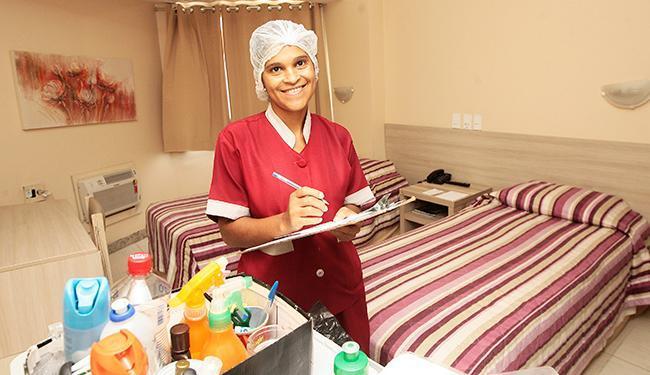 Entre os cursos disponíveis está o de camareira - Foto: Mila Cordeiro/ Ag. A TARDE