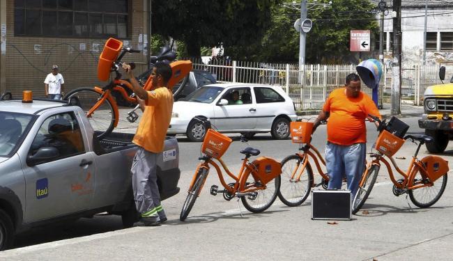 Funcionários recolheram as bicicletas da estação 37, no Largo do Papagaio - Foto: Eduardo Martins | Ag. A TARDE