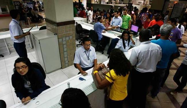 SAC Iguatemi não tinha mais estrutura física para receber o público - Foto: Raul Spinassé   Ag. A TARDE