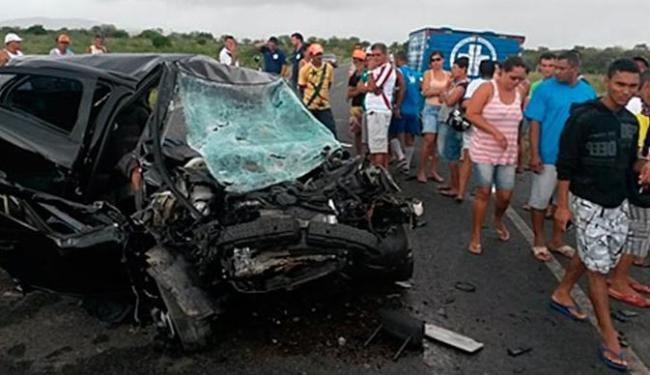 Veículos ficaram destruídos após a batida - Foto: Diário da Chapada | Reprodução