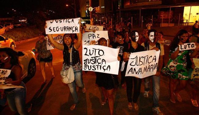 Alunos da Unifacs protestam contra o crime na Paralela - Foto: Margarida Neide | Ag. A TARDE