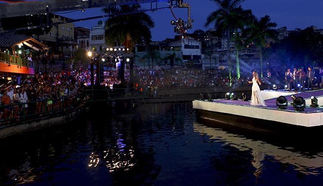 Show foi realizado na plataforma flutuante montada no Dique do Tororó - Foto: Fernando Vivas | Ag. A TARDE