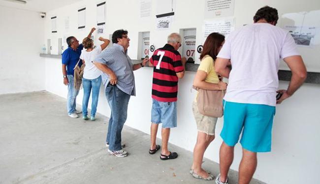 Além do site e postos da Ticketmix, torcedores podem comprar ingressos nas bilheterias do estádio - Foto: Edilson Lima / Ag. A TARDE