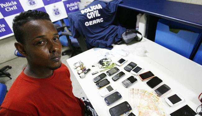 Buldogue disse que roubou por necessidade, pois tem uma filha para criar - Foto: Fernando Amorim   Ag. A TARDE