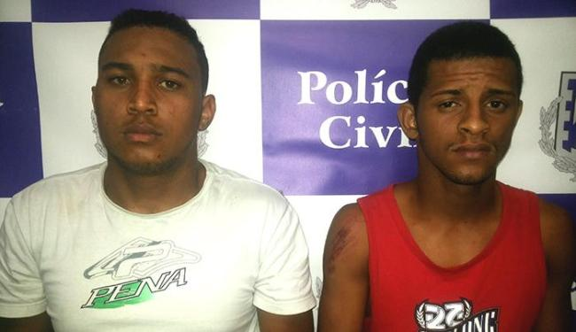Assaltantes se desequilibraram da moto, caíram na pista e ficaram feridos - Foto: Divulgação   Polícia Civil