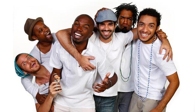 Atores e músicos do Cortejo Afro participam da encenação - Foto: Felipe Oliveira | Divulgação