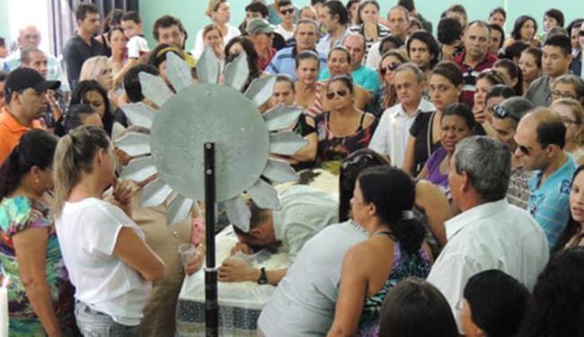 Familiares e amigos prestam a última homenagem ao estudante da Ufba morto no dia 28 - Foto: Divulgação/ Brumado Notícias