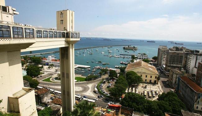O elevador Lacerda é um dos principais cartões postais da cidade - Foto: Luciano da Matta | Ag. A TARDE
