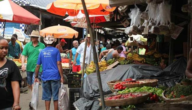 Alimentos não aproveitados na Feira viram doces em uma ONG - Foto: Edilson Lima   Ag. A TARDE