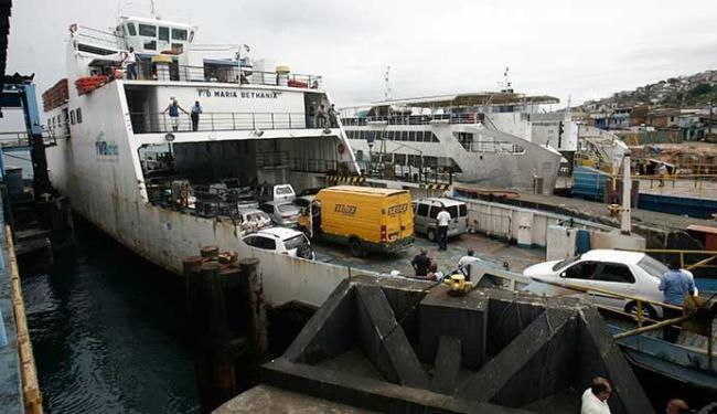 A travessia de ferries funciona atualmente com cinco embarcações - Foto: Raul Spinassé | Ag. A TARDE