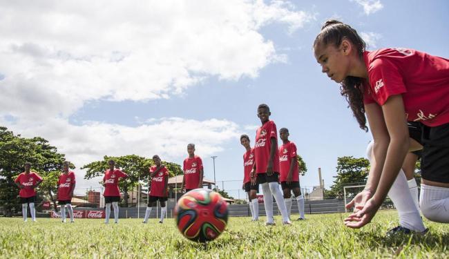 Jovens participam de treinamento prático no Sesc Piatã, em Salvador - Foto: Carol Coelho   Inovafoto