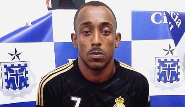 Heliton, preso com arsenal em casa, denunciou comparsa que foi morto - Foto: Divulgação | Polícia Civil